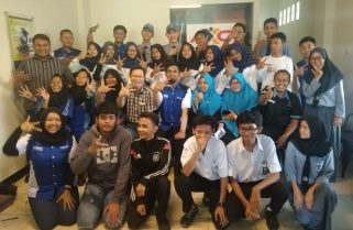 AXC Gelar Workshop Hour of Code dan Membuat Saron Simulator