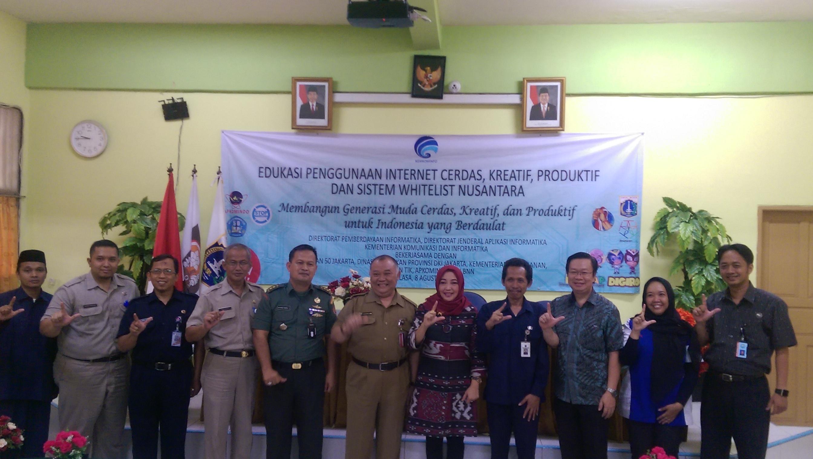 KOMINFO Sosialisasikan In-CAKAP Di SMA Negeri 50 Jakarta Timur