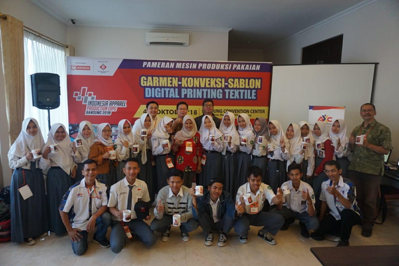 AXC Gelar Workshop Digital Kreatif Penunjang Kewirausahaan Siswa