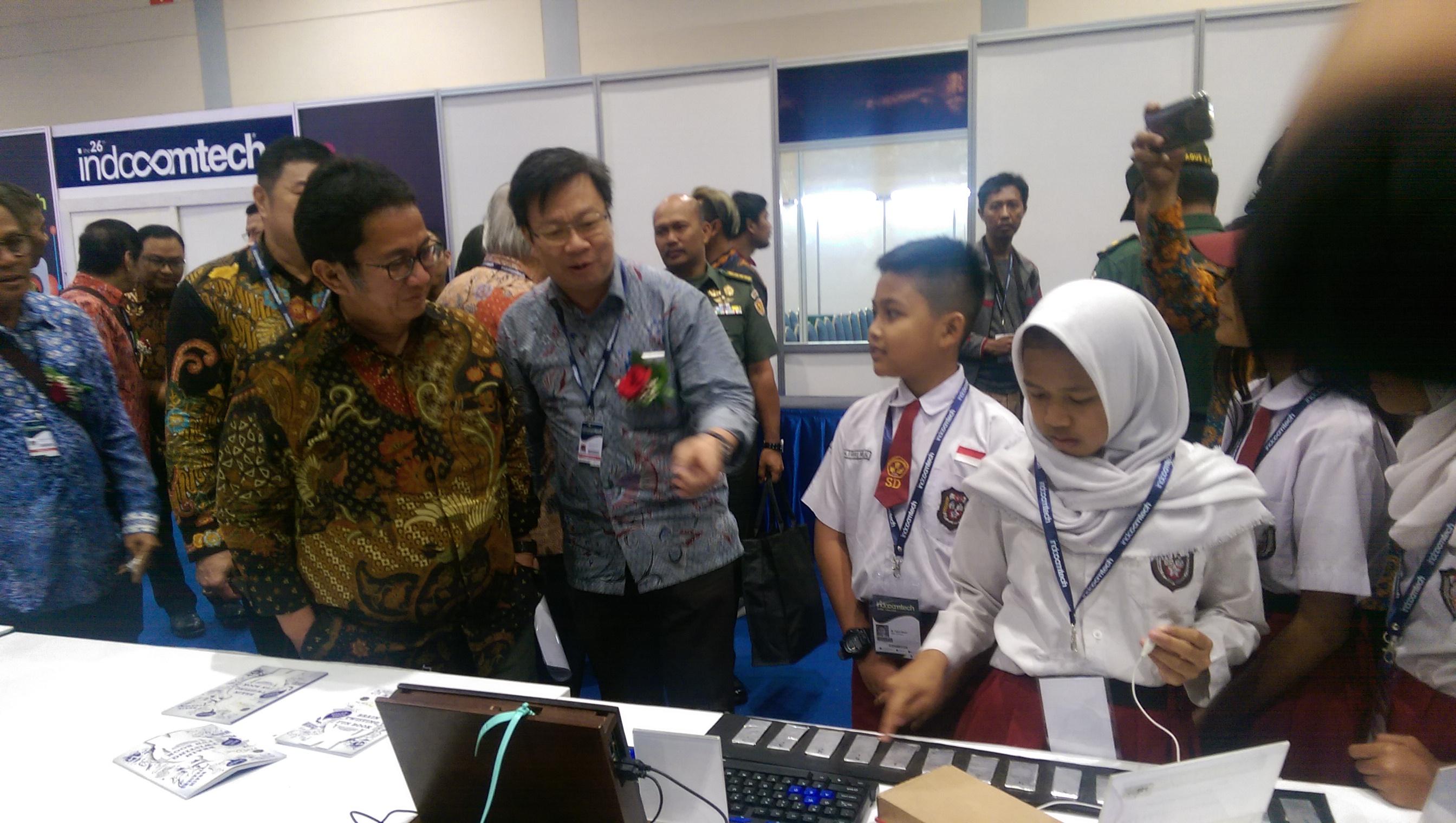 Indocomtech 2018 Pamerkan Hasil Karya Pelajar