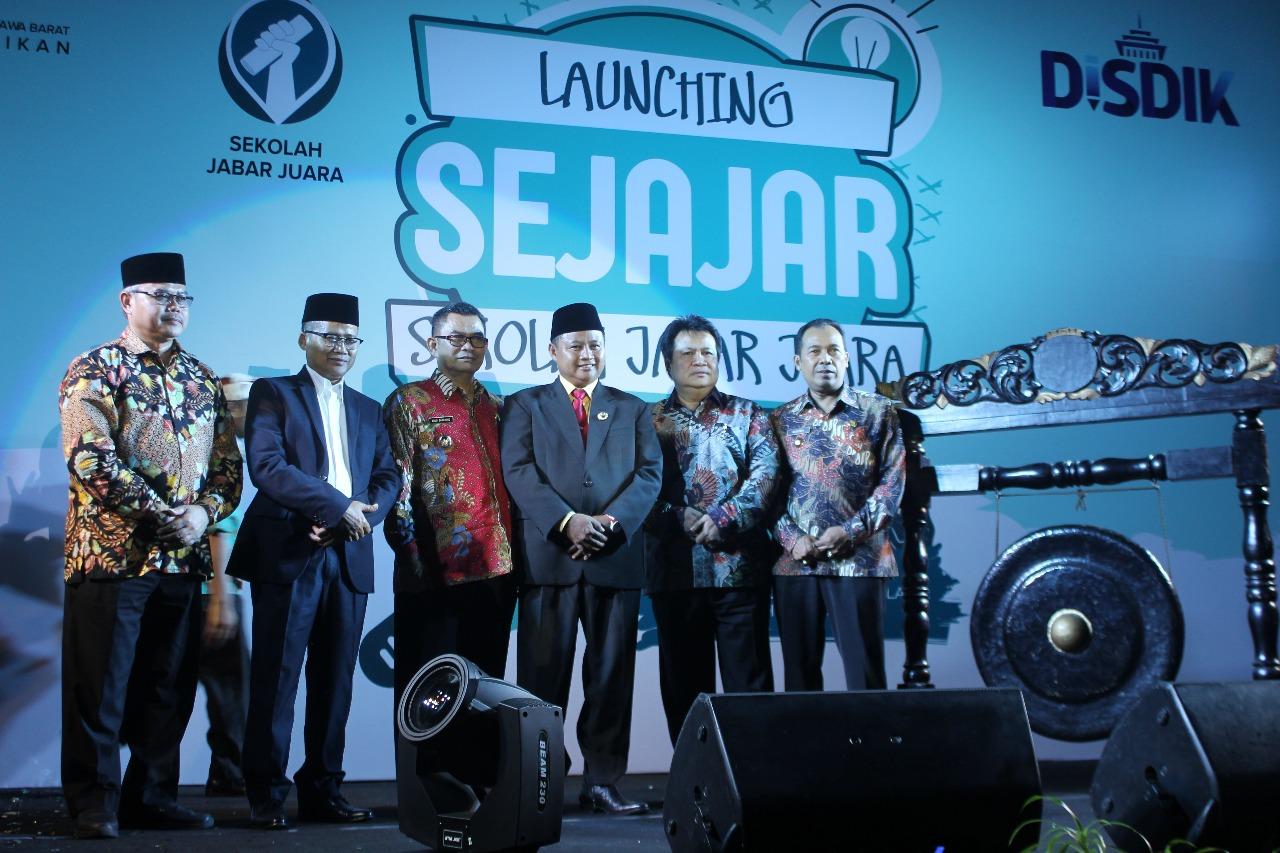 Wakil Gubernur Jawa Barat Meresmikan Program Sekolah Jabar Juara